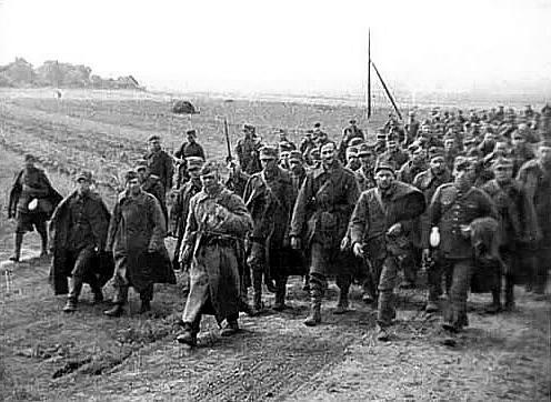 polscy-jency-wojenni-w-drodze-do-sowieckiej-niewoli
